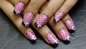 Rs 1500 - Flower on French Tip
